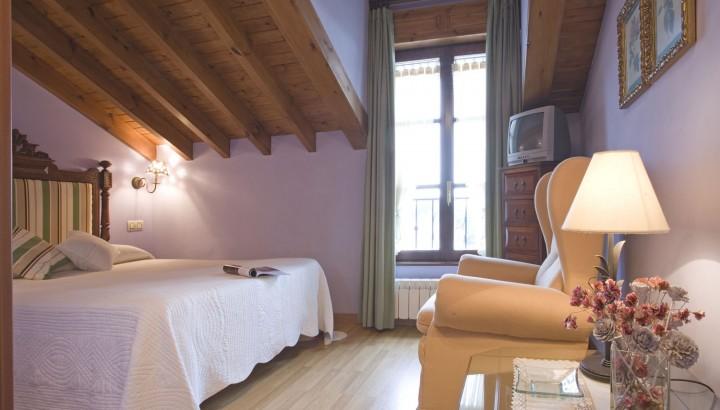 Detalle habitación matrimonio apartamento 1 La Canalina